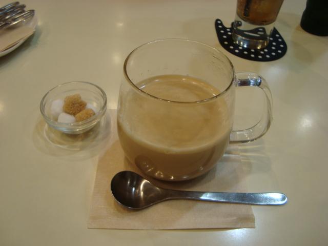 吉祥寺「A.B.Cafe エビカフェ」へ行く。_f0232060_1872868.jpg