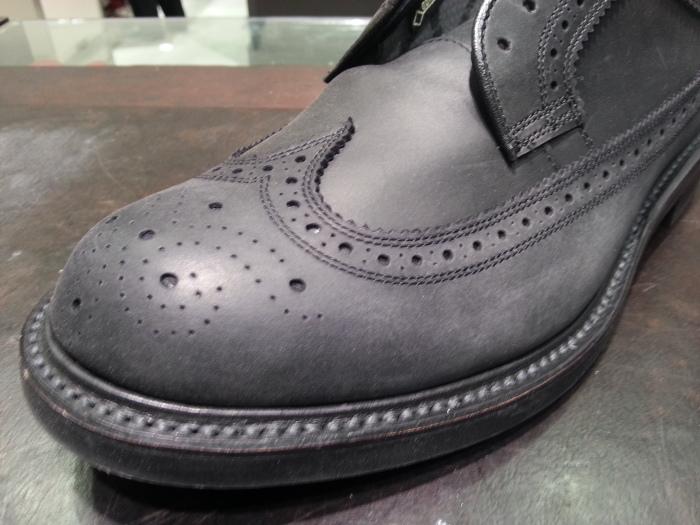 """靴のお手入れ艶出しの決め手は""""ブラシ""""ですよ。_b0226322_16571561.jpg"""