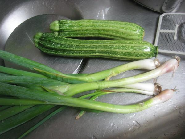 収穫物色々、夕飯も色々_e0121558_22460020.jpg