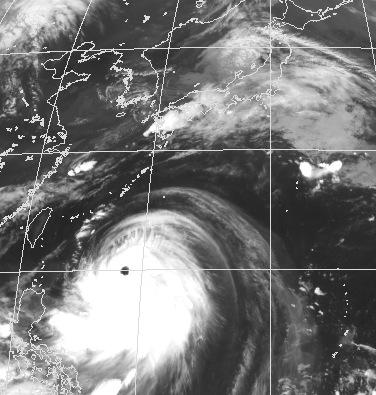 Huge typhoon in July._c0153966_9222593.jpg