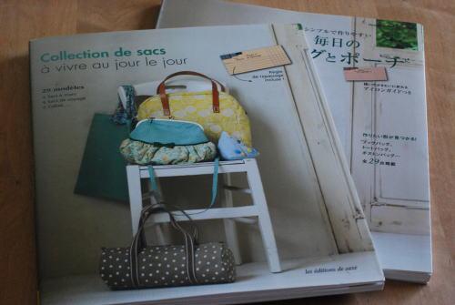 毎日のバッグとポーチ フランス語版_d0091671_22161923.jpg