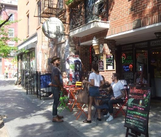 ブルックリンのウィリアムズバーグ(南側)で見かけた街角アート_b0007805_22175031.jpg