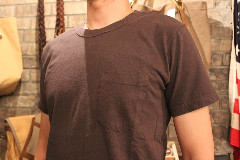 "SLOW HOLIDAY TOOL ""CREW NECK S/S POCKET TEE\"" ご紹介_f0191324_8344512.jpg"