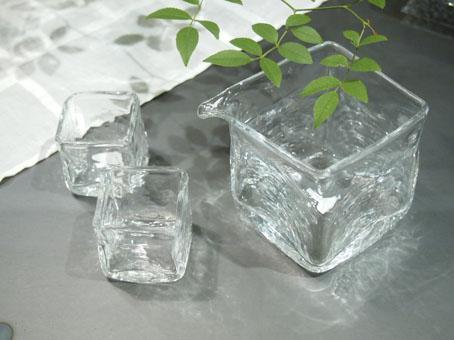 李 慶子「ガラスの器展」はじまります_b0322280_2231223.jpg