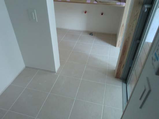【家づくり】 照明と床のタイル_c0293787_1242720.jpg