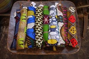①本日スタート「アフリカンバティック傘(かさ)展」_f0226293_710401.jpg