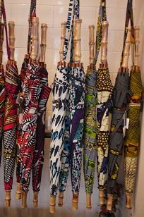 ①本日スタート「アフリカンバティック傘(かさ)展」_f0226293_7105716.jpg