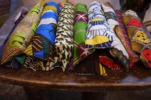 ①本日スタート「アフリカンバティック傘(かさ)展」_f0226293_7135757.jpg
