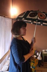 ①本日スタート「アフリカンバティック傘(かさ)展」_f0226293_7291746.jpg