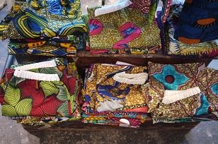 ②「アフリカンバティック」生地・服などなど_f0226293_7353257.jpg