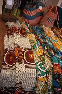 ②「アフリカンバティック」生地・服などなど_f0226293_7355661.jpg
