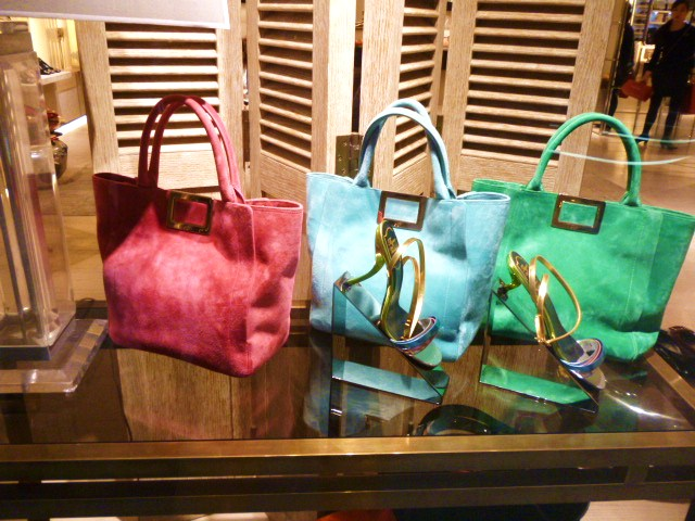 Roger  Vivier Hong Kong Shop Report・・・取りあえずはコレね_b0210699_23261524.jpg