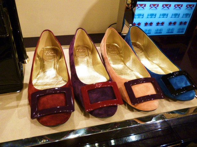 Roger  Vivier Hong Kong Shop Report・・・取りあえずはコレね_b0210699_23294779.jpg