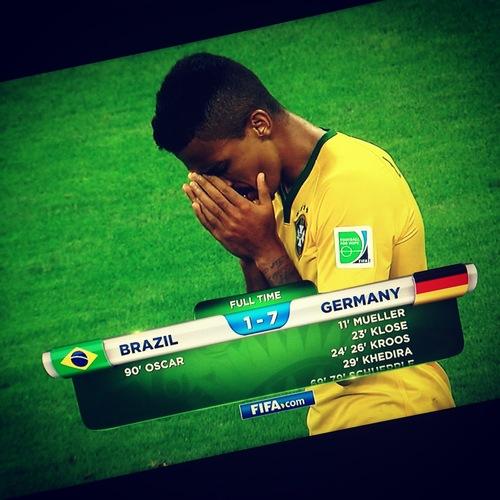 ミネイロンの惨劇:ブラジルW杯_d0038951_7281154.jpg