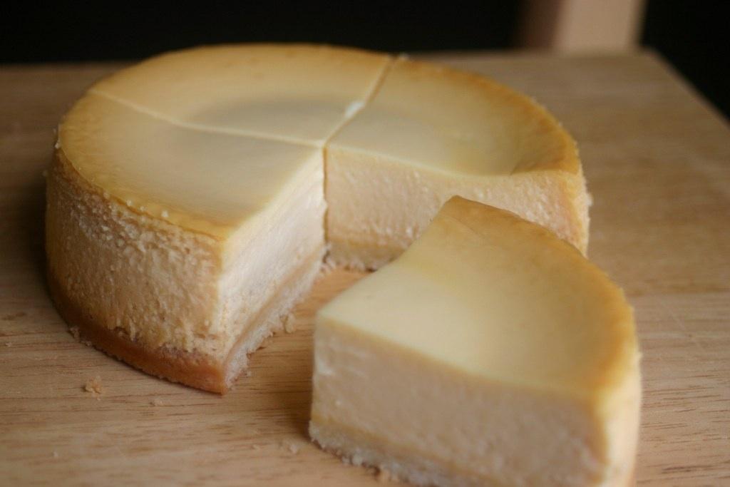 塩キャラメルのチーズケーキ。_e0060555_8115898.jpg