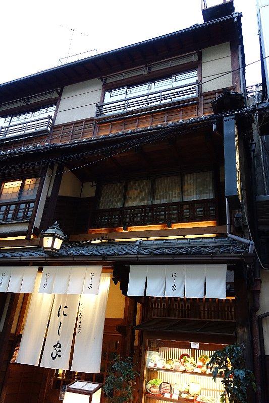 大阪市の中央区を南へ_c0112559_8485968.jpg