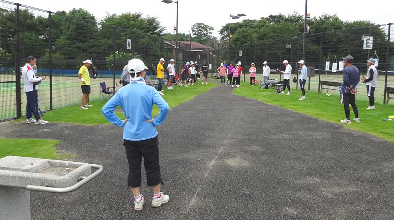 シニアテニスクラブの練習会に34名が参加_b0114798_1559448.jpg