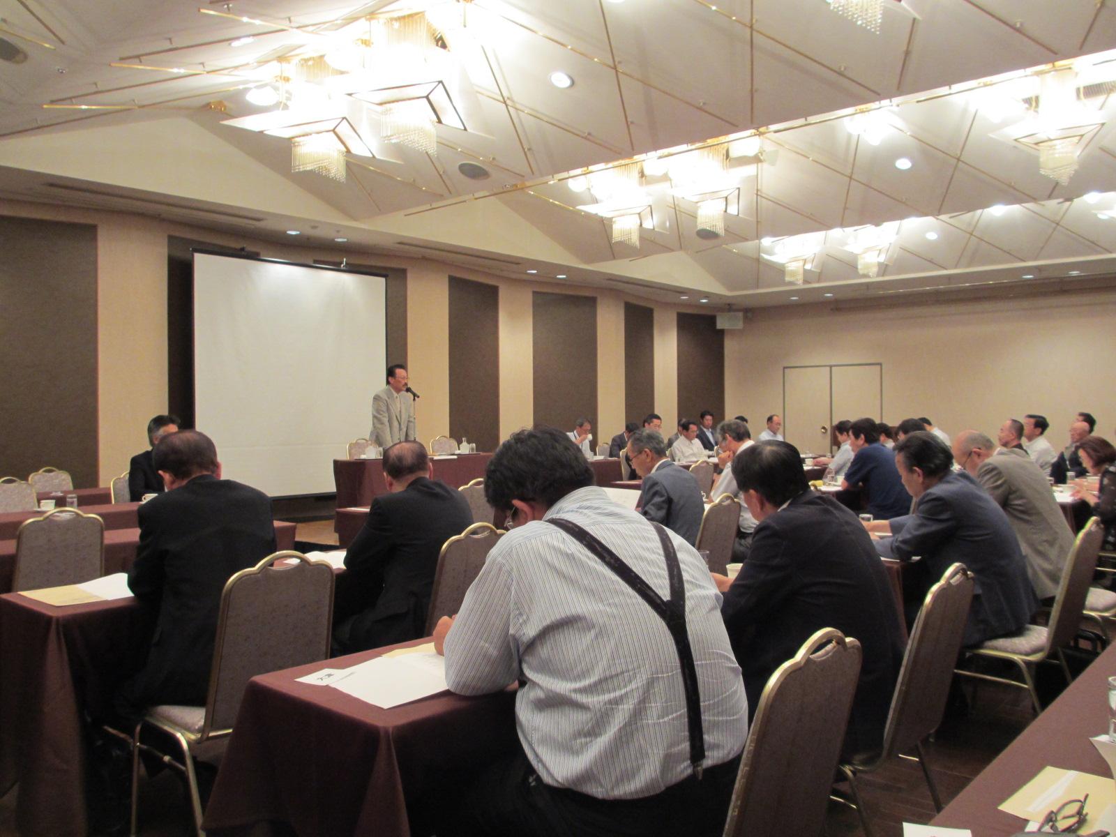 県、経営相談員会総会_e0150006_1654044.jpg