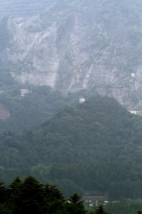 武甲山の岩肌 - 2013年・秩父 -  _b0190710_22483664.jpg