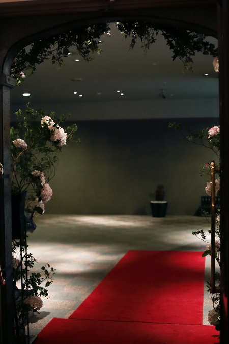 花のツリー、花の入口 青山サロン様へ _a0042928_12492463.jpg