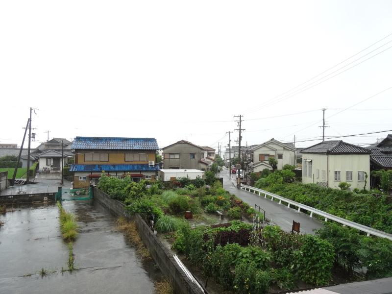 台風8号は少し おとなしくなったようだ_c0108460_15021493.jpg