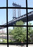 ブルックリンのDumboでお馴染みのユニークなギャラリー、Smack Mellon_b0007805_4482468.jpg