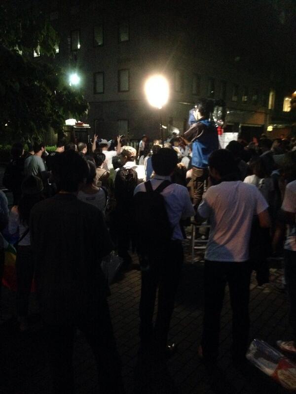 イスラエル大使館前 空爆抗議を多数の警官隊が妨害_f0212121_22524491.jpg