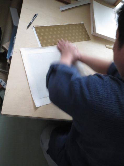 経師屋さんという仕事_a0157159_1925406.jpg