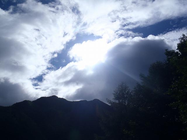 台風の来ぬ間に日本一高い場所にある三伏峠にハイキング(前半)_c0147398_1605216.jpg