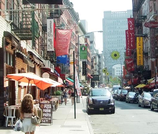 夏のニューヨークのリトル・イタリー_b0007805_3103880.jpg