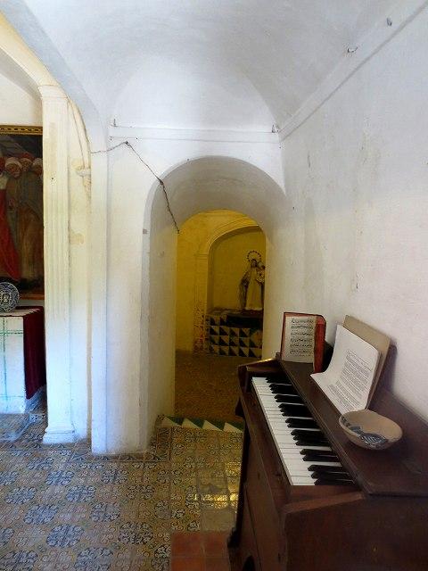 ペドラルベス修道院で6_b0064411_21013294.jpg