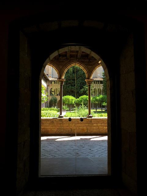 ペドラルベス修道院で6_b0064411_21073278.jpg