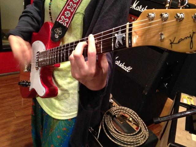 キナコ★オリジナルギター完成!_f0115311_23394136.jpg