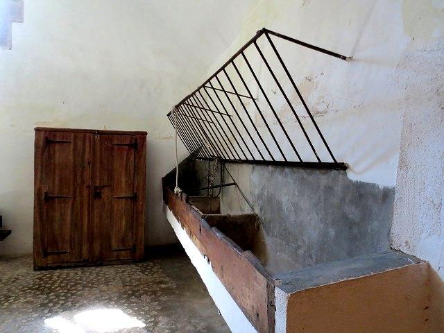 ペドラルベス修道院で10 地下_b0064411_05222710.jpg