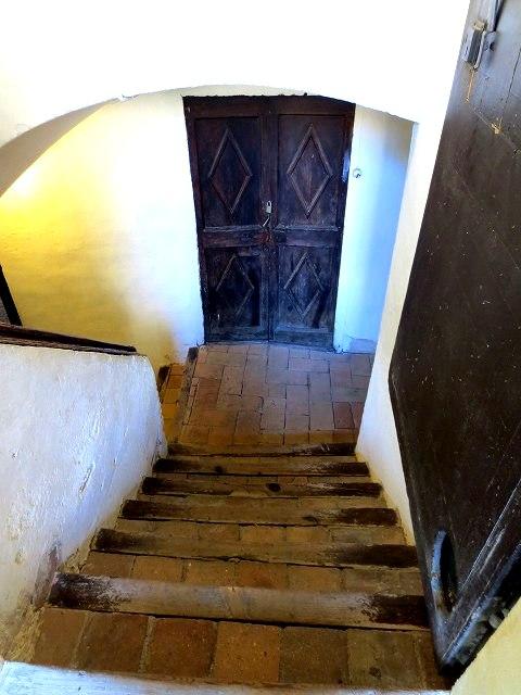 ペドラルベス修道院で10 地下_b0064411_05222748.jpg