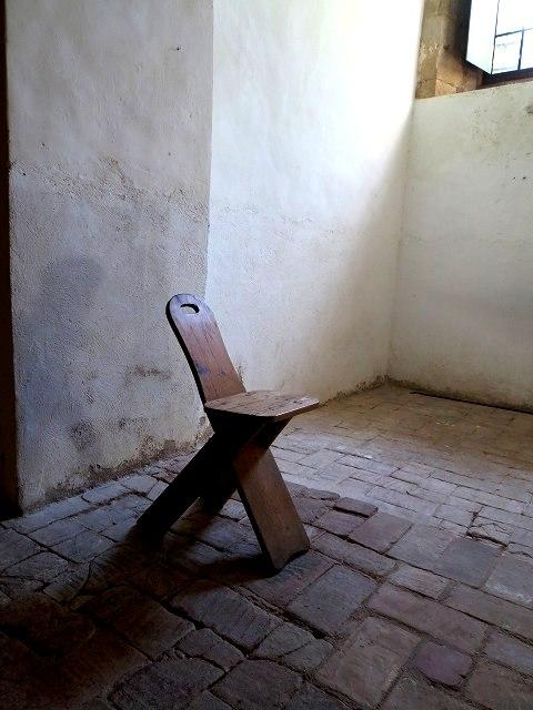 ペドラルベス修道院で10 地下_b0064411_05305205.jpg