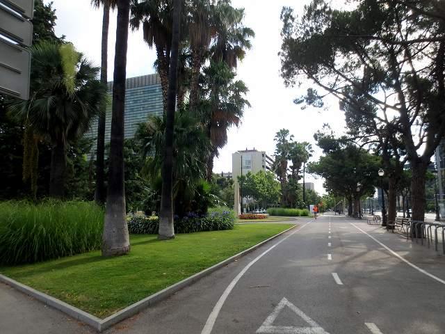 セルバンテス公園へ散歩に_b0064411_06203029.jpg