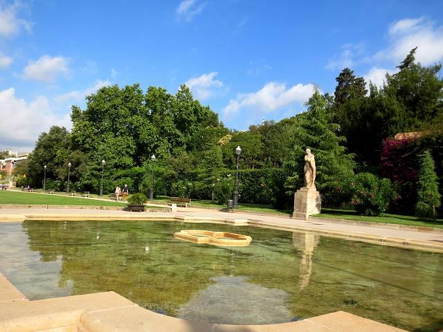 セルバンテス公園へ散歩に_b0064411_06203088.jpg