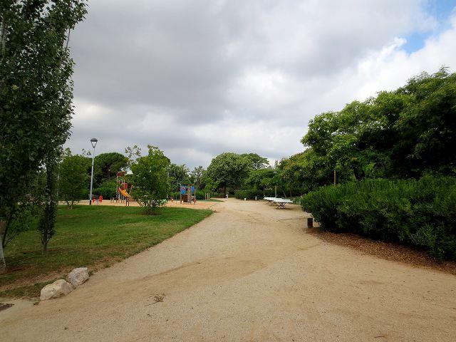 セルバンテス公園へ散歩に_b0064411_06275377.jpg
