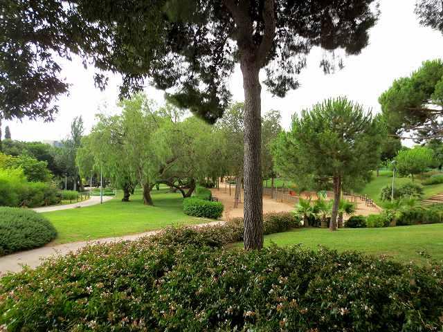 セルバンテス公園へ散歩に_b0064411_06331926.jpg