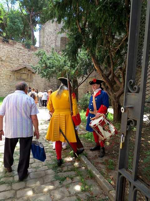 聖マドローナのお祭り_b0064411_23075468.jpg