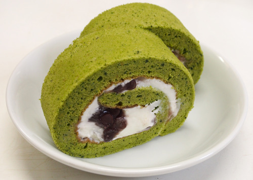 久しぶりに抹茶のロールケーキを作った_f0134939_2253376.jpg