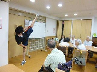 介護体験の学生さん<アクティブライフ夙川>_c0107602_114127100.jpg