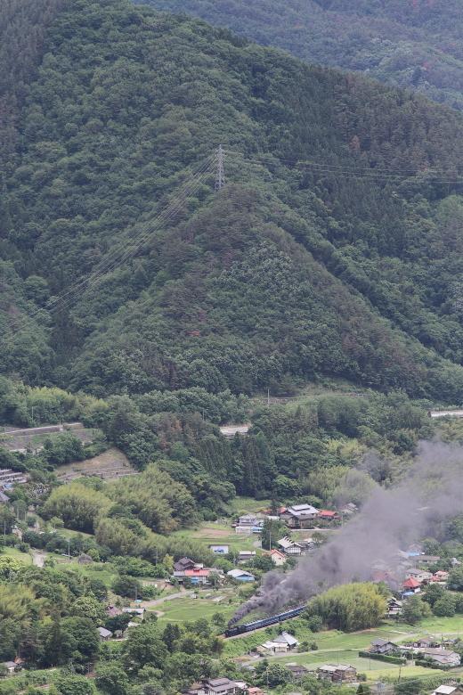 緑の季節に黒煙が膨らむ - 2014年初夏・上越線 -  _b0190710_23221567.jpg