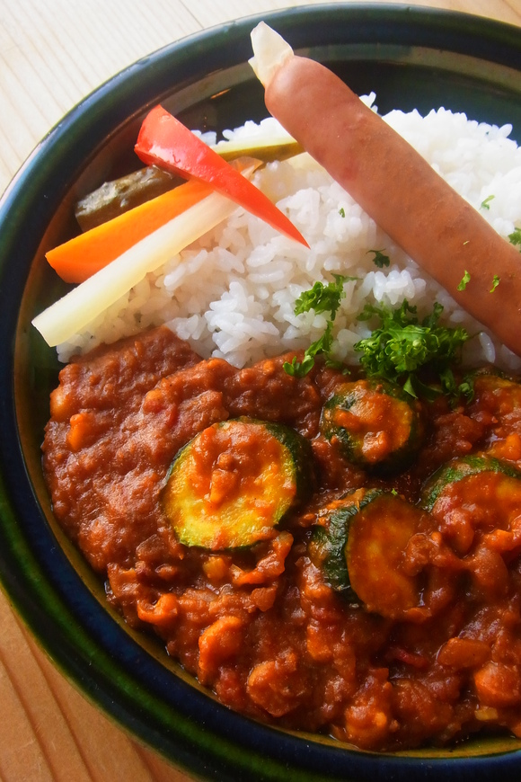トマトとズッキーニの豆カレー!_b0207642_10153010.jpg