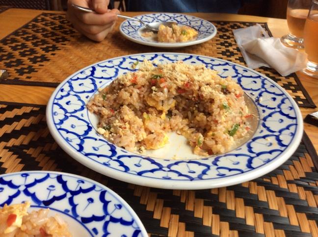今日のランチ・・・・「アジアの麺料理 味夢(みむ)」_b0137969_1455519.jpg