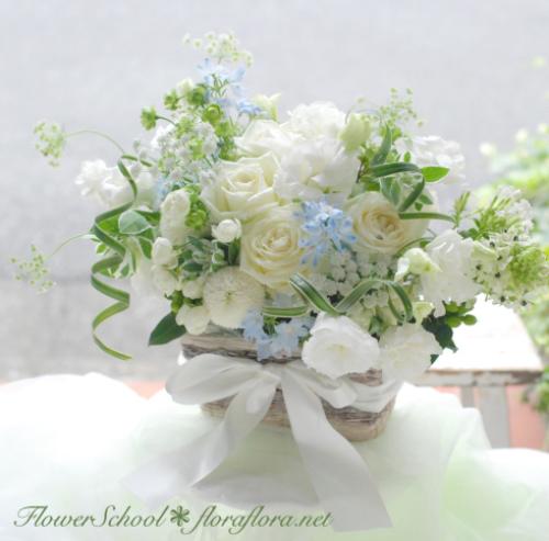 7月おへその月曜日* フローラフローラちいさな花の教室7月のアレンジ_a0115684_18130087.jpg