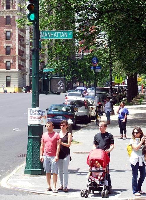 マンハッタン・アベニューの近くで見かけたミュージシャンさんたち_b0007805_2033562.jpg