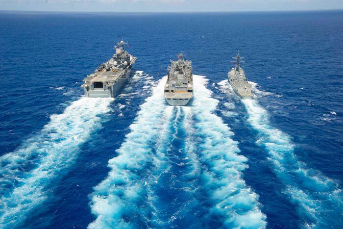 自衛隊海外派遣の恒久法検討 経済打撃でも武力行使_f0212121_1825481.jpg