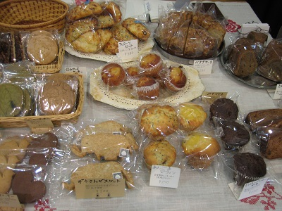 明日はハシバミさんの出張販売焼き菓子day♪_b0100229_13132317.jpg